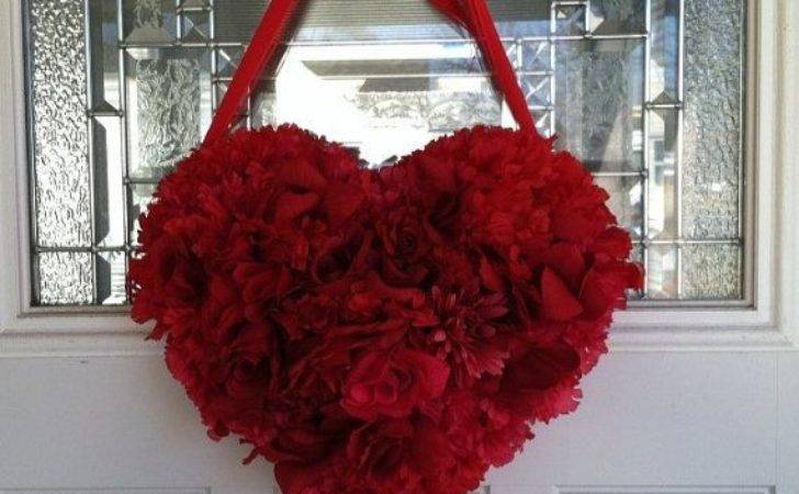Red Heart Wreath Valentines Day Shaped