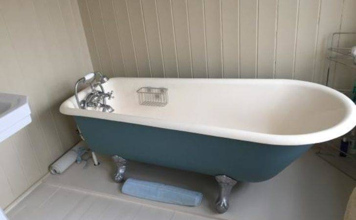 Roll Top Bath Private Bathroom Old