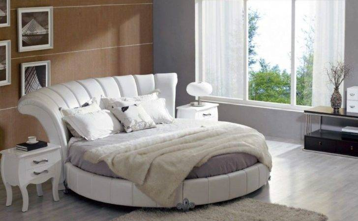 Round Beds More Luxurious Look Bedroom