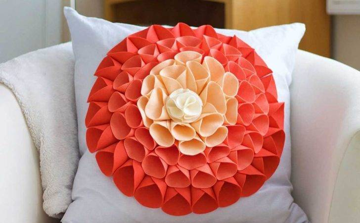 Sew Pillow Embellishment Bigdiyideas