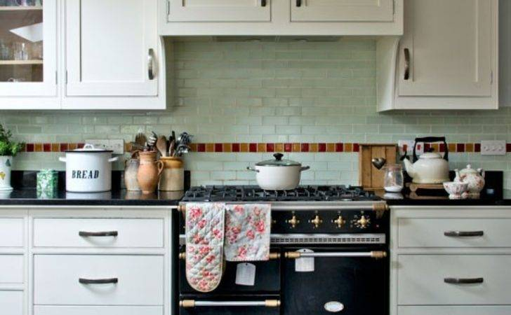 Shaker Style Kitchen Pale Green Wall Tiles Step