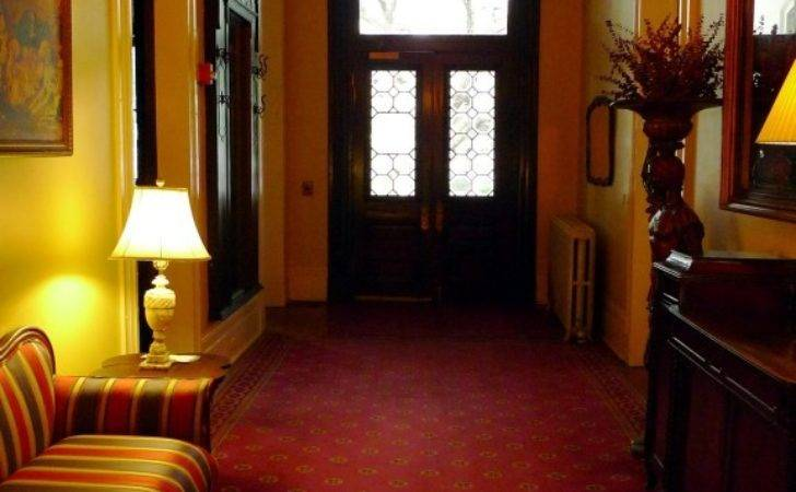 Simple Concept Make Your Victorian Hallways Beautiful