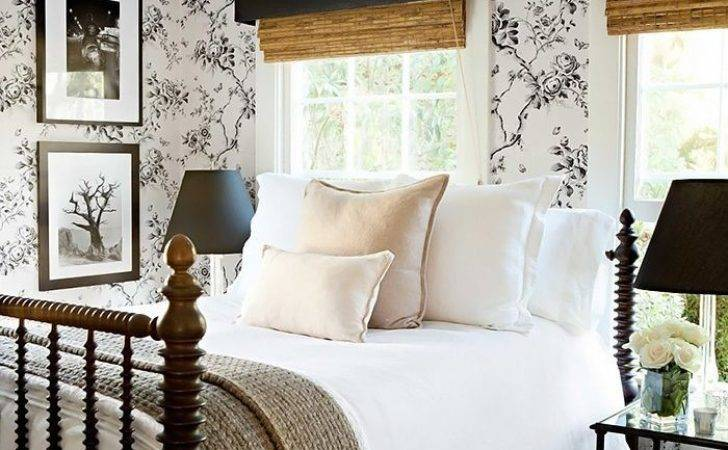 Simple Farmhouse Bedroom Design Ideas