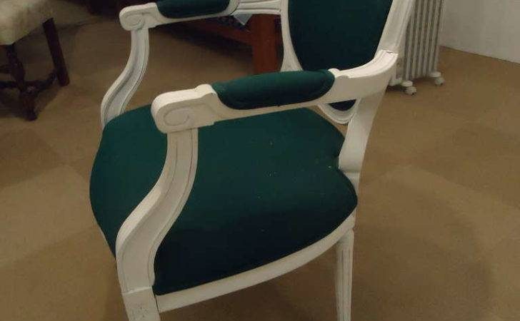 Six French Style White Painted Wood Dining Chairs Stdibs