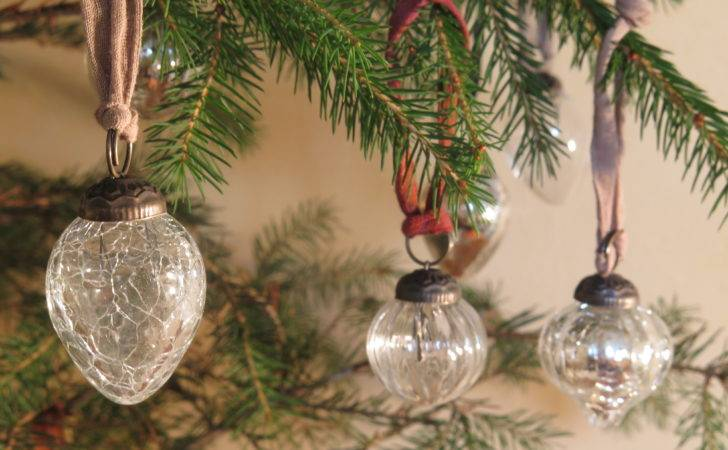 Small Clear Glass Baubles Lavender Leeks