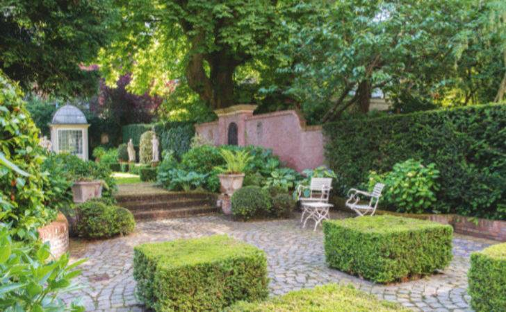 Small Gardens Illustrated