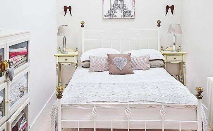 Small Pretty Bedroom Iron Bed Decorating
