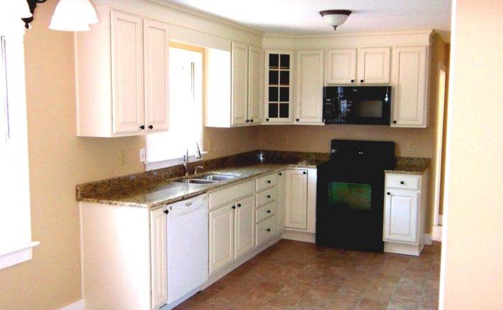 Small Shaped Kitchen Surripui
