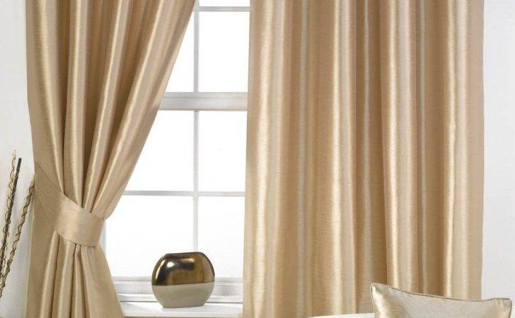 Small Window Curtains Bedroom Ideas