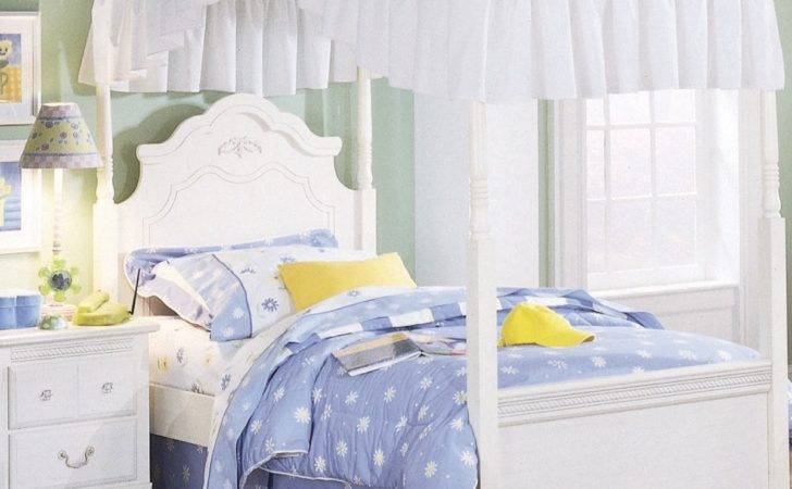 Standard Furniture Diana Canopy Bed White Beyond Stores