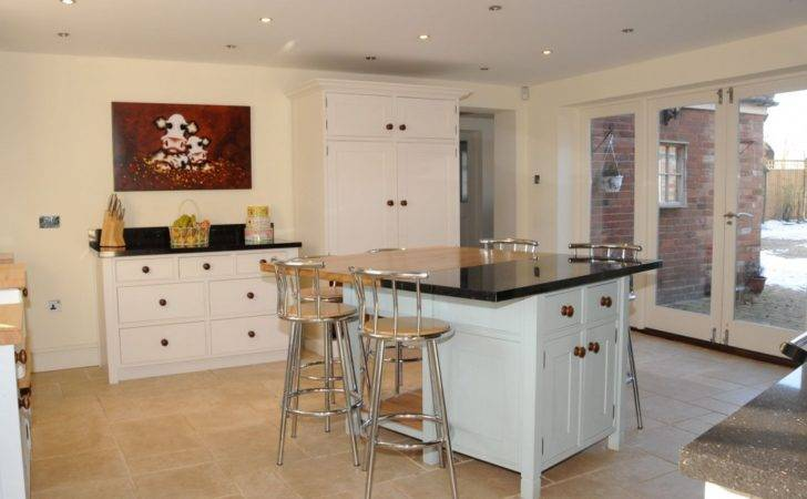 Standing Kitchen Islands Seating