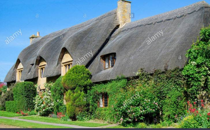 Thatched Cottages Chipping Campden Cotswolds