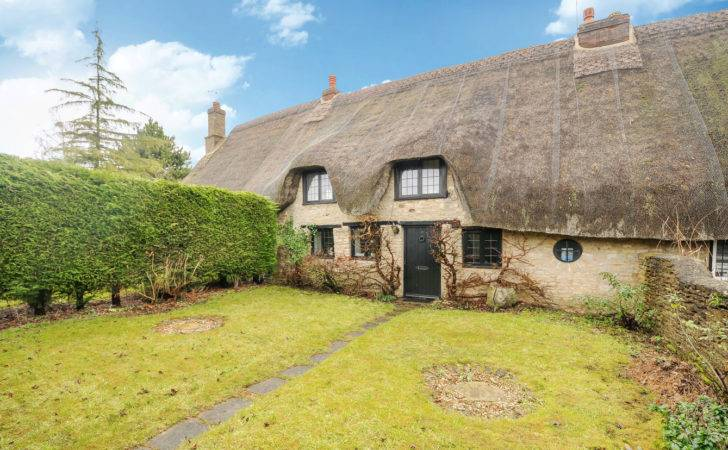 Three Bedroom Grade Listed Terraced Cottage