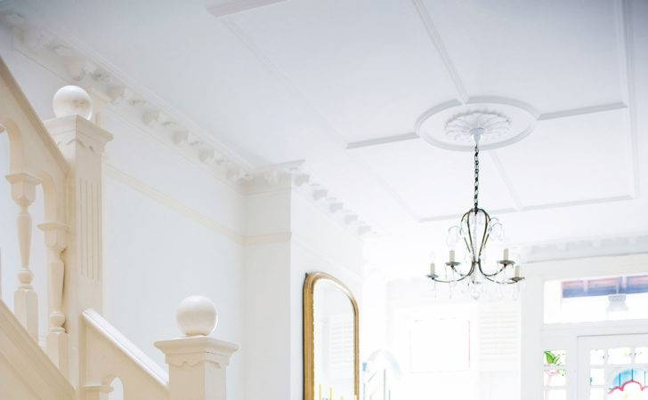 Tommy Tips Fitting Plaster Ceiling Rose