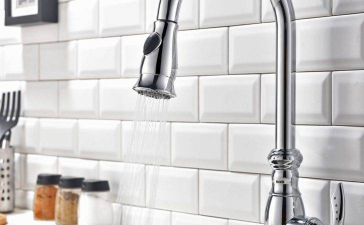 Traditional Swan Neck Monobloc Pull Out Spray Kitchen Tap