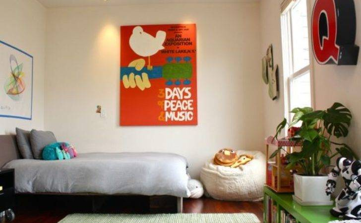 Vintage Posters Decorate Modern Interiors
