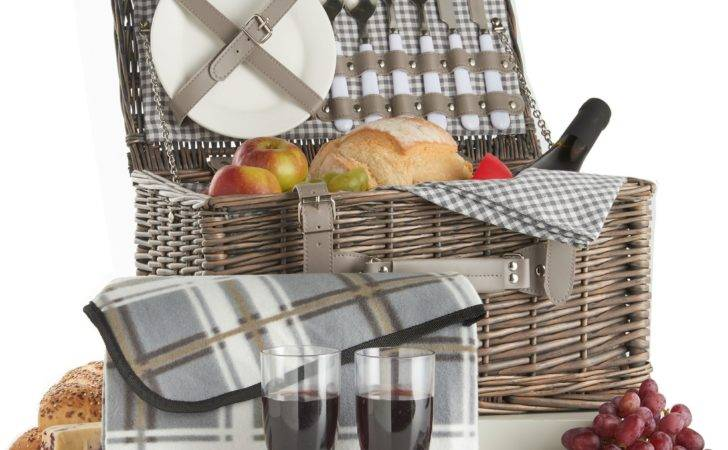 Vonshef Deluxe Person Traditional Wicker Picnic Basket