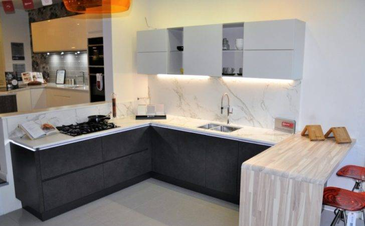 Wokingham Kitchens Fitted Toto