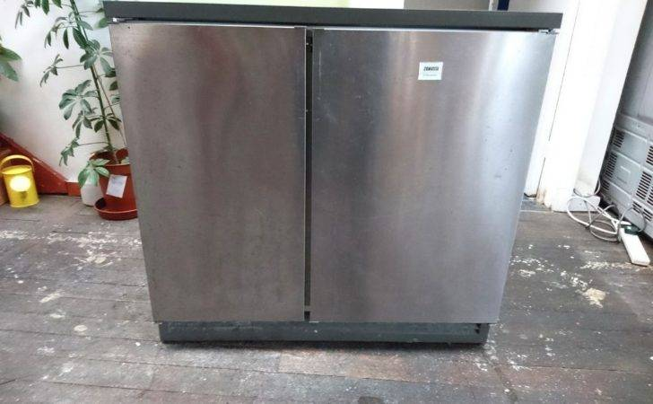 Zanussi Under Cabinet Fridge Freezer Side